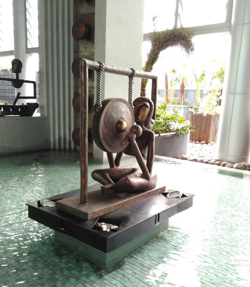 metal art statue 2